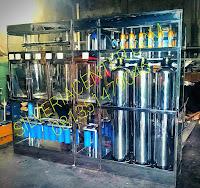 Mesin depot air minum isi ulang galon dengan partisi bahan full stainless