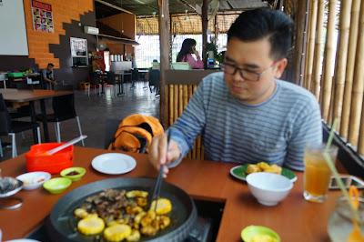 food blogger www.tukangjalanjajan.com