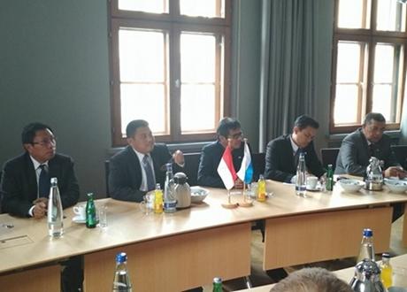 Gubernur Irwan Prayitno Gelar Pertemuan dengan Sejumlah Investor di Muenchen