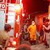 Vídeo - Bebê morre queimado após ser deixado com irmãos crianças enquanto a mãe foi comprar bebidas