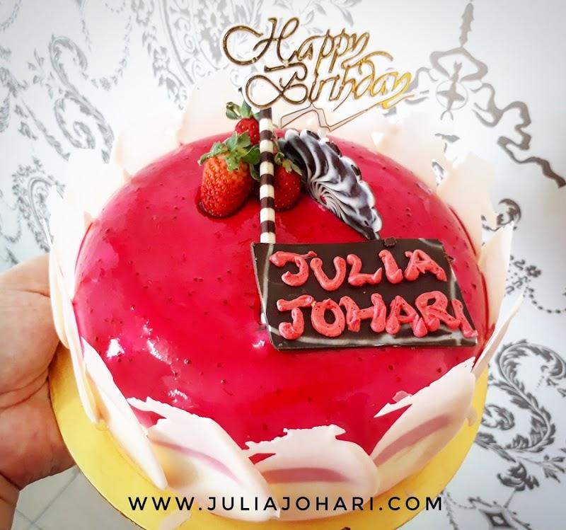 Happy Birthday Julia Johari !