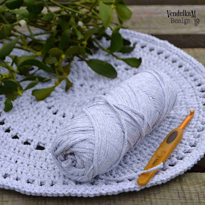 Crochet placemat - free crochet pattern by VendulkaM
