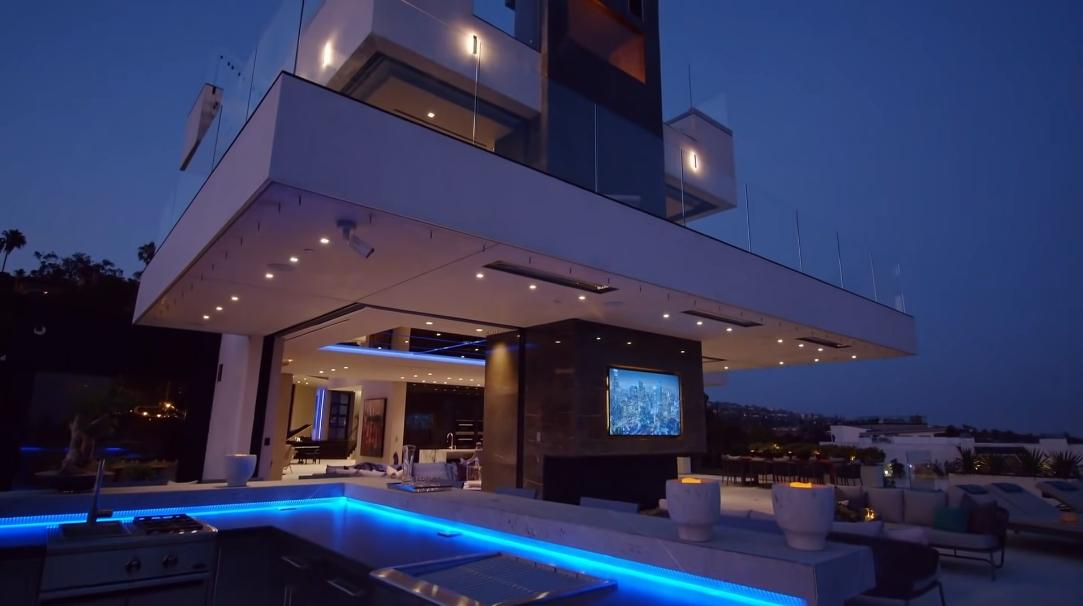 98 Photos vs. 1426 Summitridge Dr, Beverly Hills, CA Ultra Luxury Mega Mansion Tour Interior Design