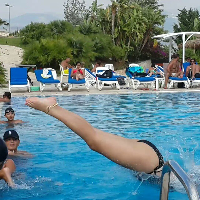 ريما ديب يالمايوة في حمام السباحةبإطلالة جريئة ومثيرة Rima Diab Hot Bikini Pics