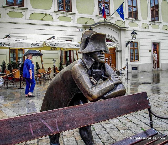 Estátua de soldado napoleônico em Bratislava, Eslováquia