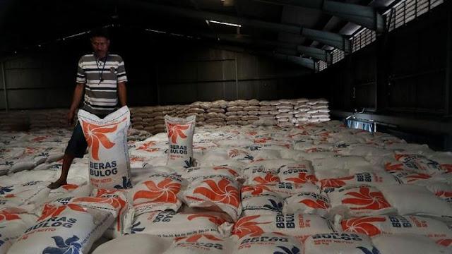 Bulog Beberkan Penyebab 20.000 Ton Beras Terancam Busuk