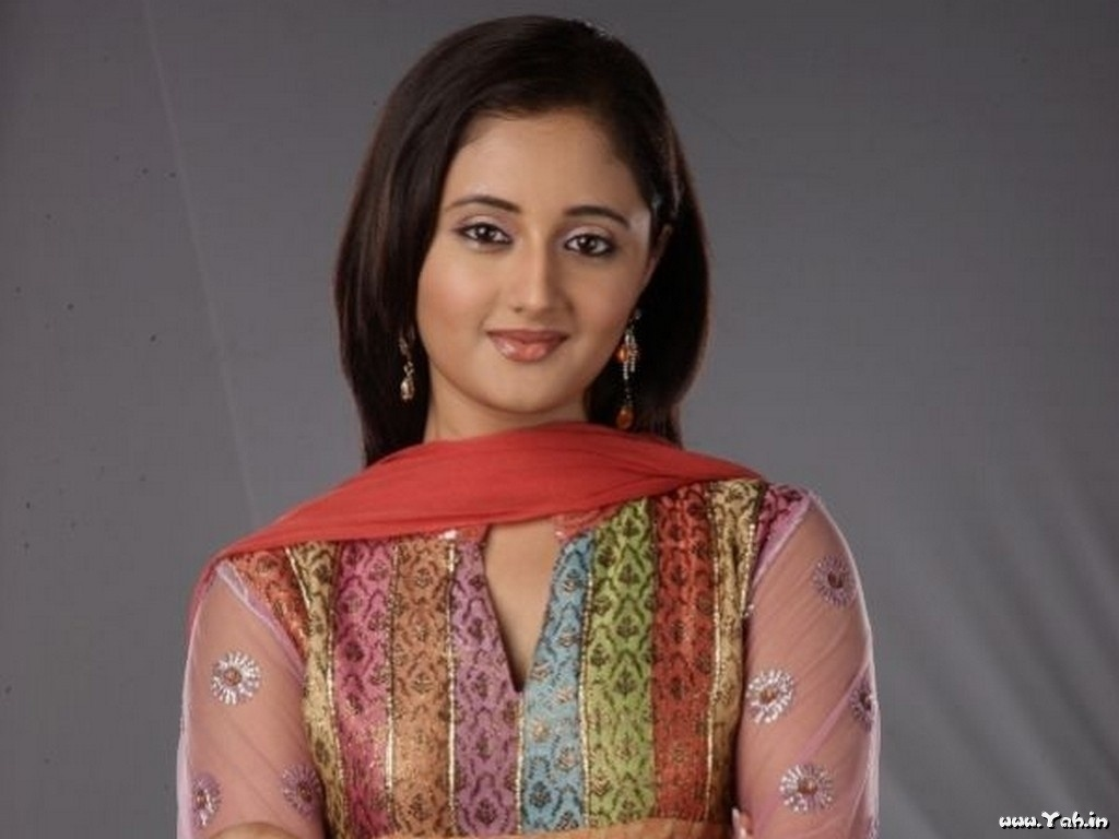 Hindi Tv Serial Actress Rashmi Desai Cute Photos -Sa -9067