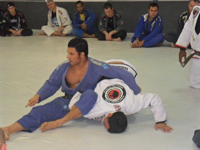 omoplata-jiu-jitsu