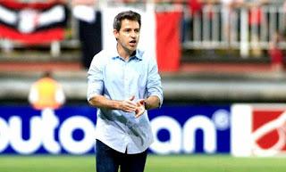 Vasco efetiva auxiliar Ramon Menezes como treinador