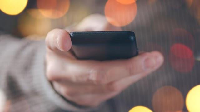 Méregdrága SMS-ekkel verik át a gyerekeket - akár 2000 forintba is kerülhet egy üzenet