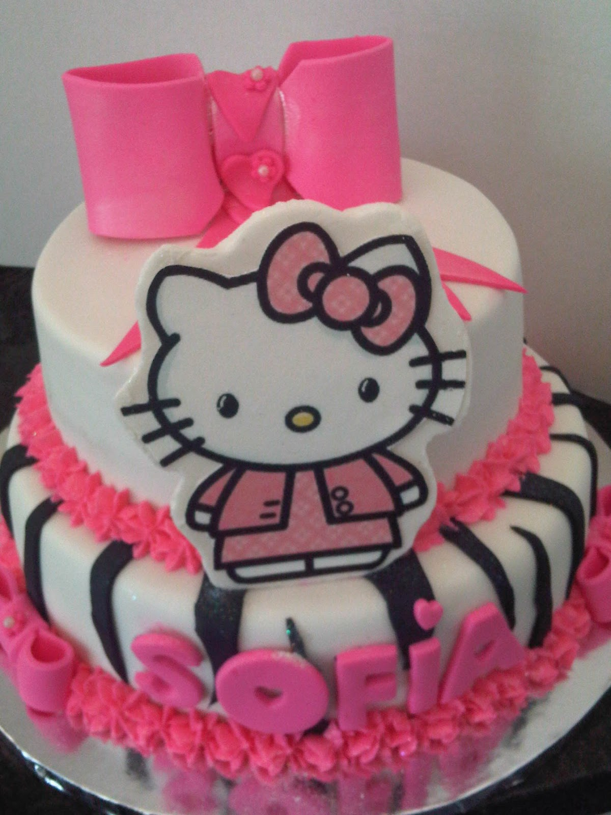 Welcome to Just Iced: Hello Kitty zebra print cake!