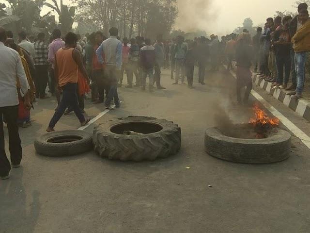 वैशाली में कार ने 3 को रौंदा:भगवानपुर में बस को ओवरटेक करने के चक्कर में हुआ हादसा, मरने वालों में 1 इंटर का छात्र