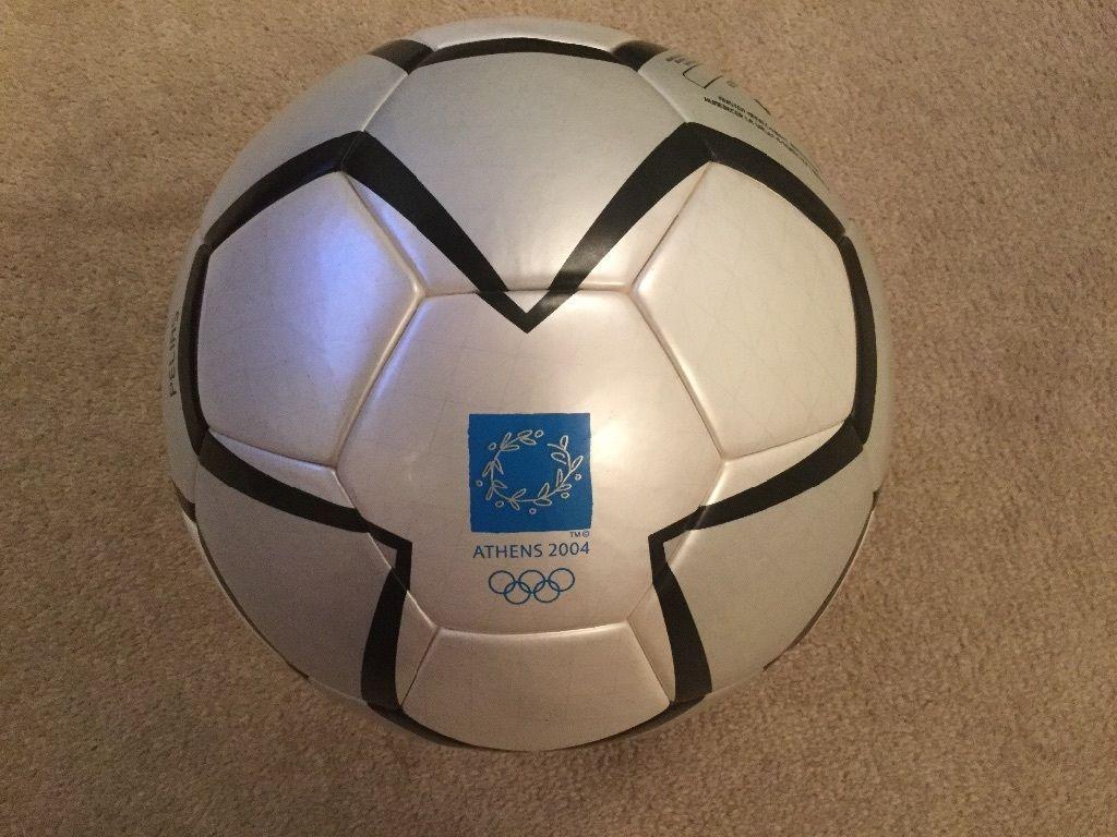 df653f483e806 Hoy continuamos con los balones oficiales de adidas utilizado en las  Olimpiadas. El modelo de hoy es el balón adidas Pelias con el que se  disputó los Juegos ...