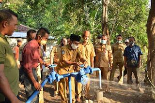 Walikota Bima Resmikan Pengeboran Air Bersih di Kelurahan Kendo