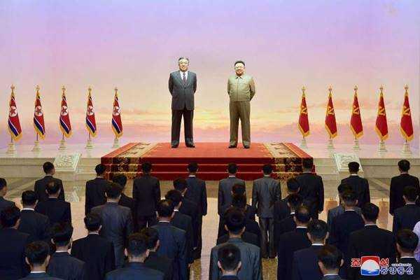 wpk cell secretaries visit kumsusan palace