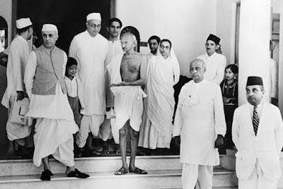 Jawaharlal Nehru Biography in Hindi