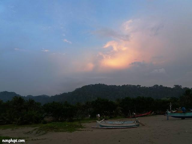 Wisata Pantai Banyuwangi : Berkemah di Rejegwesi Banyuwangi #Day3