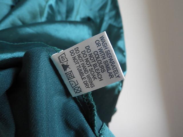 Saps el significat dels símbols de les etiquetes de la roba?
