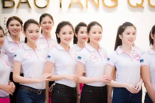 Tuyển chọn các bài thơ Hồ Xuân Hương được yêu thích nhất
