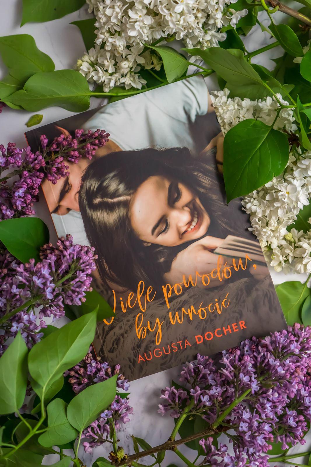 Augusta Docher wiele powrotow by wrócić opinie recenzje czytanie ksiązki polskich autorek polecane na lato blog z recenzjami ksiązek