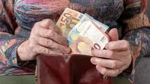Έρχονται αναδρομικά και αυξήσεις για συγκεκριμένες κατηγορίες συνταξιούχων.