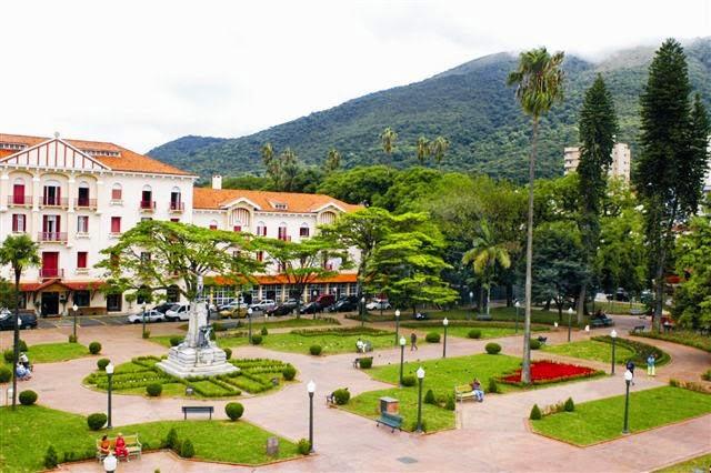 Pontos turísticos de Poços de Caldas, Praça Pedro Sanches
