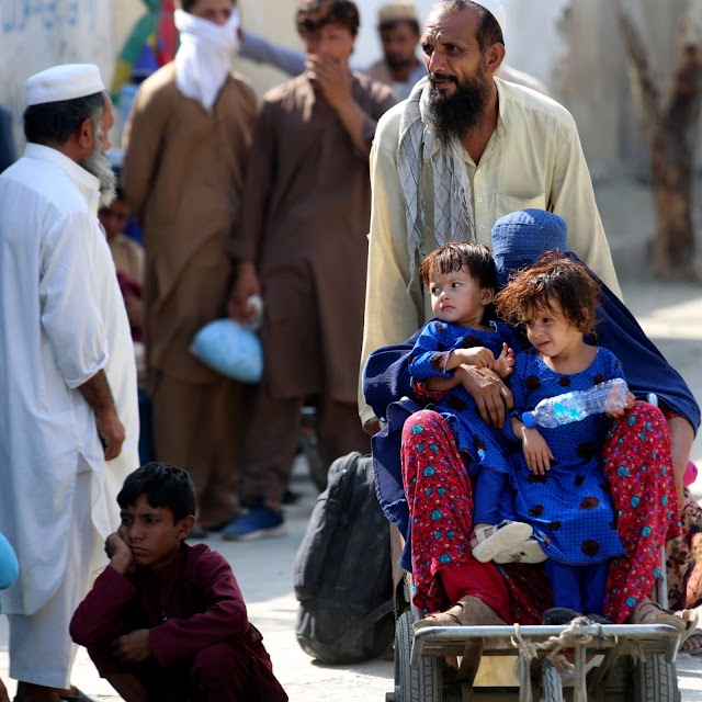 Afghanistan's neighbours must keep borders open for refugees: UNHCR