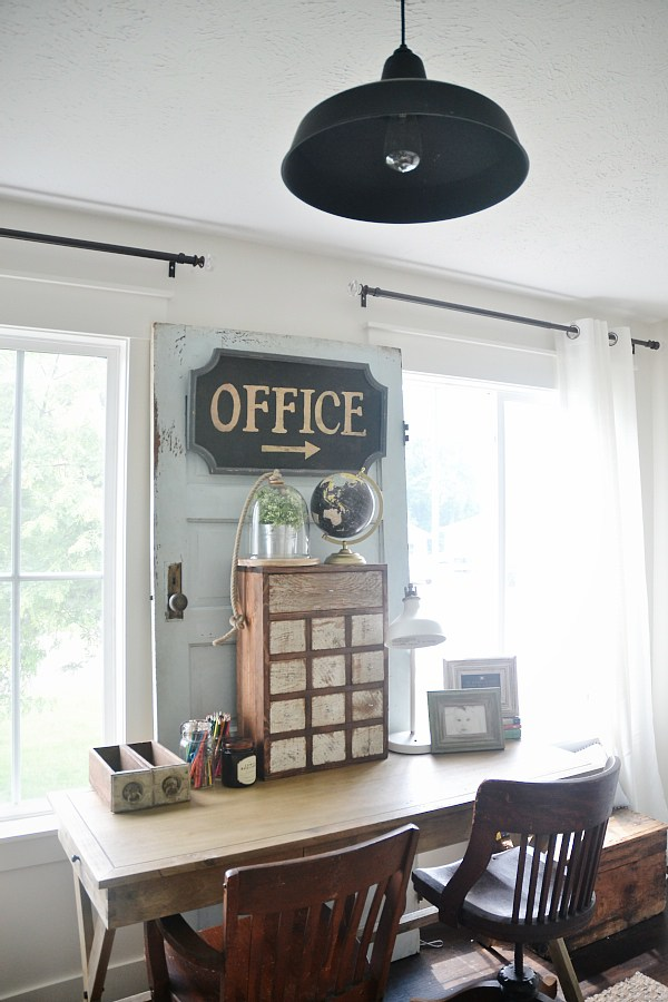 20 Incredibly Beautiful And Organized Office Spaces