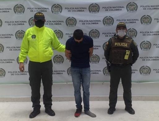 https://www.notasrosas.com/Por Acto Sexual con menor de 14 años, fue capturado en Aguachica, Cesar