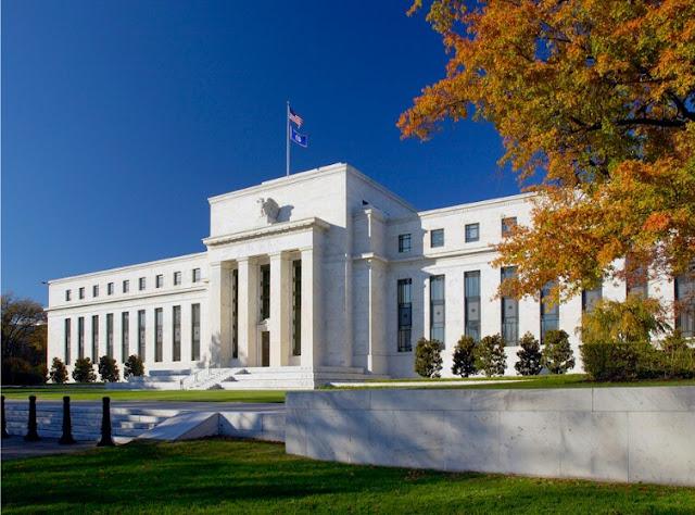 "Alt: = ""U.S Federal Reserve building"""