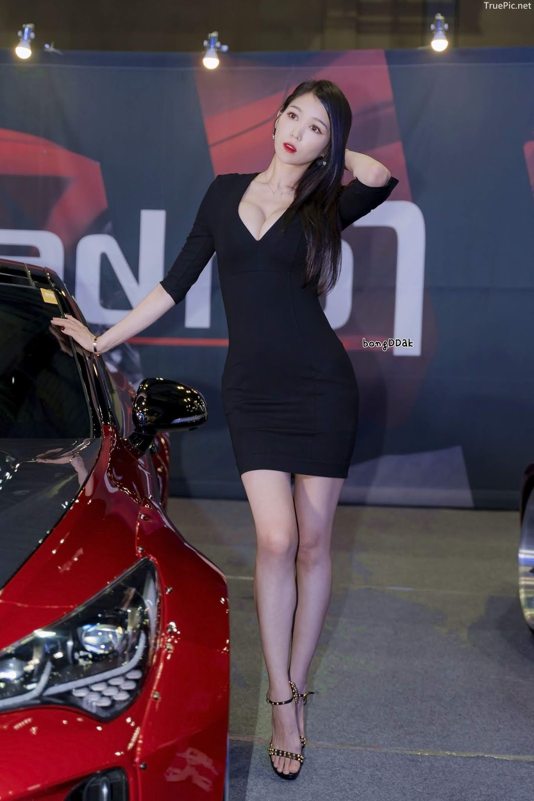 Korean Racing Model - Lee Eunhye - Seoul Auto Salon 2019 - Picture 2