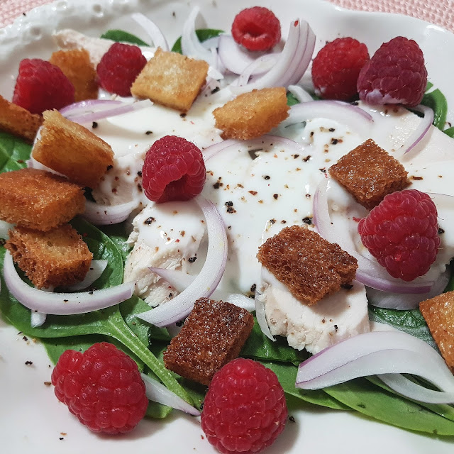 Ensalada De Pollo Y Espinacas