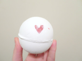 LUSH Lover Lamp Valentines Day Range Collection Bath Bomb