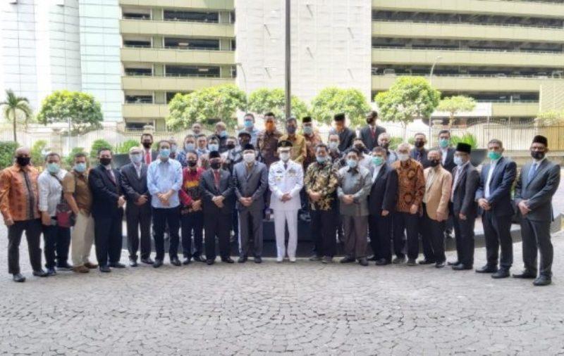 Proses Isdianto saat Menjalani Pelantikan Gubernur Defenitif  Kepri