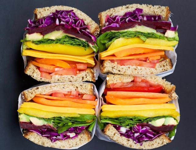 Rainbow Veggie Sandwiches with Hummus #vegetarian #lunch