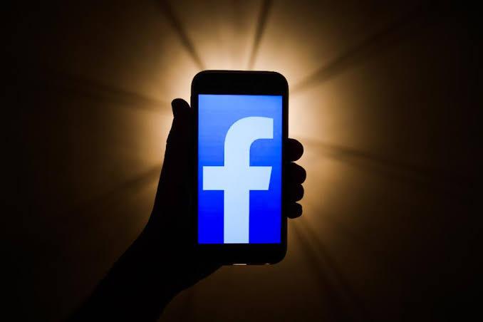 Facebook Mode Gelap, Ramah Mata dan Hemat Baterai