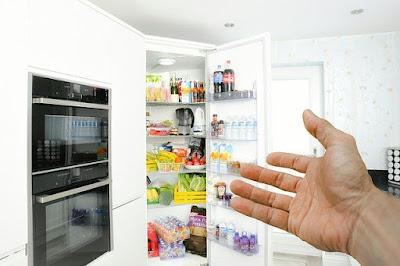Cara Menghilangkan Bau Kulkas