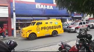 Nas casas Baia em Guarabira arma de vigilante de carro forte dispara acidentalmente e causa panico
