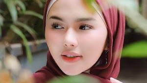 Kumpulan Cewek Jilbab Trend Cantik Mancung, Yang Indah