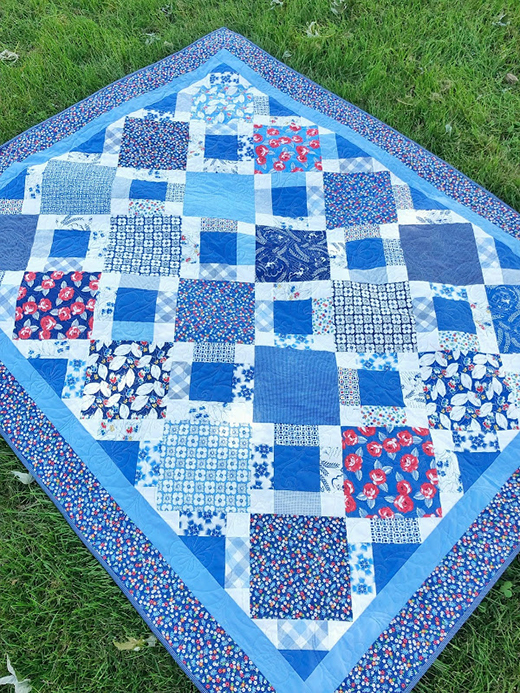 The Fanlight Quilt Free Pattern designed by Jessica Dayon