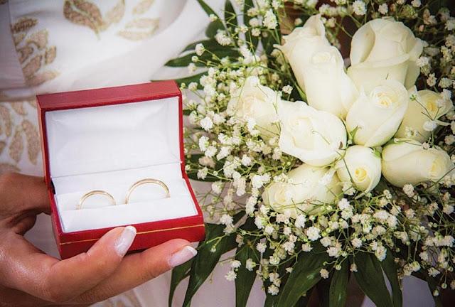 Τον πολιτικό γάμο επιλέγουν περισσότερα ζευγάρια