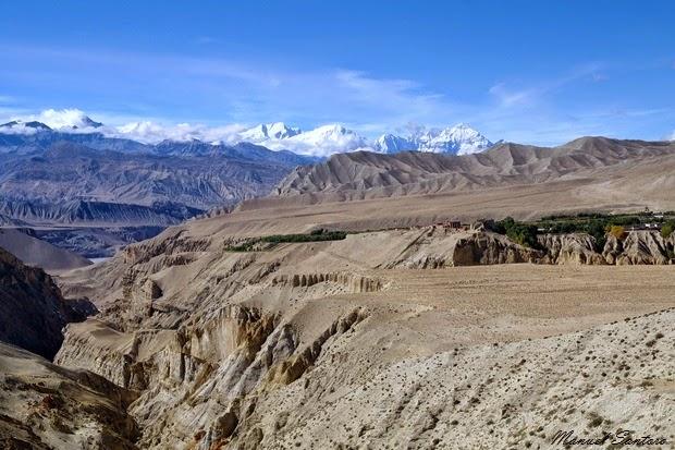 In cammino verso Lo Manthang, vista su Tsarang
