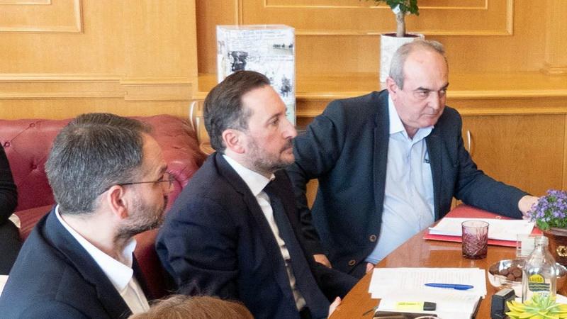 Επικοινωνιακό σόου της δημοτικής αρχής Αλεξανδρούπολης με το αρδευτικό Πετάλου Πέπλου