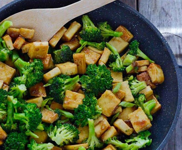 BROCCOLI TOFU STIR FRY #vegan #dinner