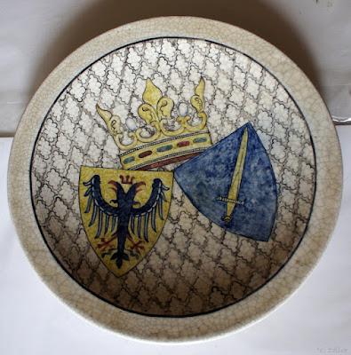 Keramikfat med vapensköld, Ehrengabe der Stadt Essen, 1950. Studiokeramik.