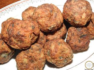 Chiftele de post reteta de casa cu legume cartofi ceapa morcovi soia usturoi orez faina marar cimbru piper ulei prajite tigaie retete chiftelute mancare aperitive gustare,