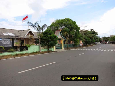 SMA Negeri 5 Tanjung Pinang Di Pinggir Jalan