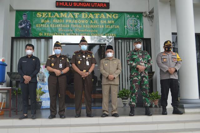 Sambut Kepala Kejaksaan Tinggi Kalimantan Selatan di Kabupaten Hulu Sungai Utara