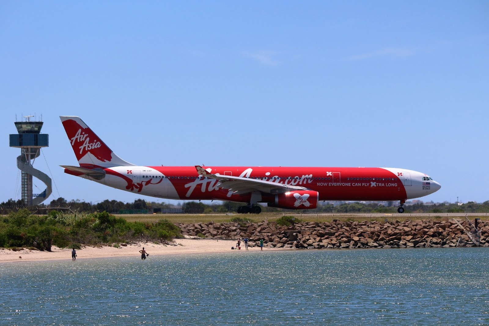 Bravo Mike Bravo Photography: Close call for a Jetstar and