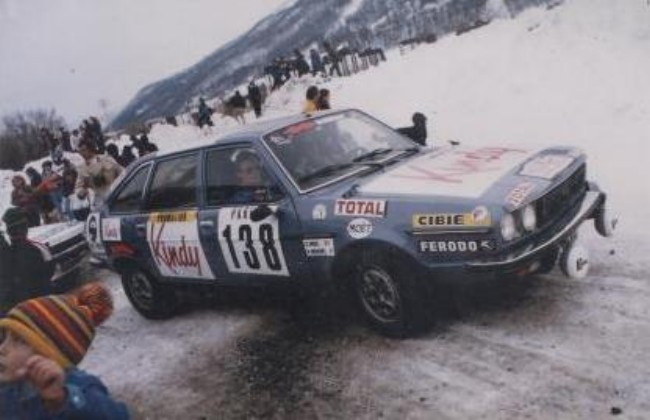 30v6 les renault 30 au rallye de monte carlo. Black Bedroom Furniture Sets. Home Design Ideas